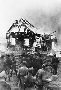 200px-bundesarchiv_bild_183-l19427_litauen_brennende_synagoge
