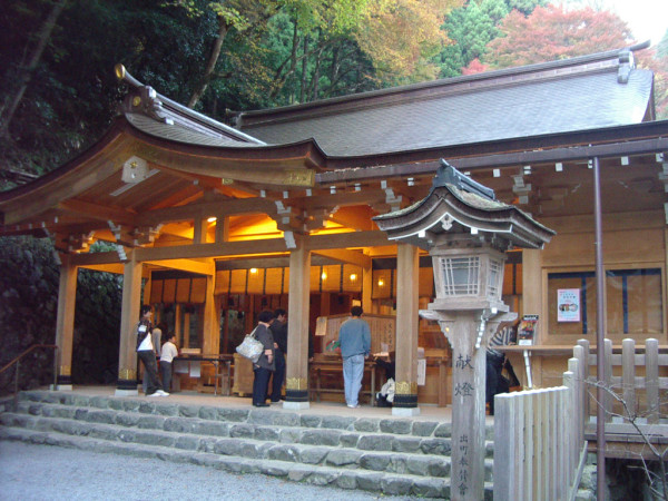 Kibune_Shinto_Shrine001