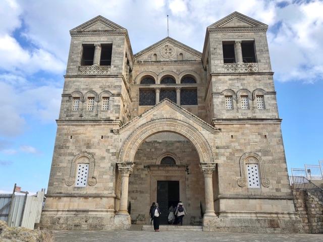 タボール山変貌教会1